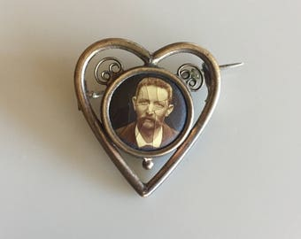 Vintage 1900s Victorian Sweetheart Photograph Pin
