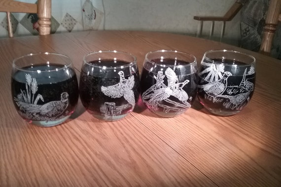 hand engraved pheasant whiskey glasses, pheasant bourbon glasses, pheasant liquor glasses, 4 different pheasant designs, engraved drink glas