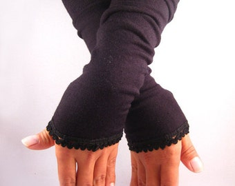 Arm warmers, fingerless gloves in Black Lace top in black