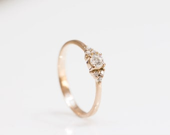 Engagement Ring , Classic Engagement Ring , Diamond ring, Unique engagment ring, Diamond engagment ring
