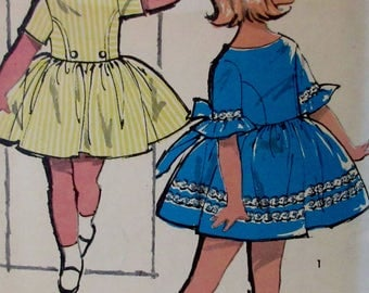 Vintage 1960s Advance Sewing Pattern Little Girls  Dress with short or bell sleeves  Pattern #2842  Size 5