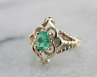 Vintage Emerald Ring with Rope Details and Scallop Frame KW6Y2L-R