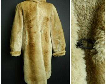 30's 40's TESCAN Beaver lambs fur shearling golden brown three quarter length glamorous swing coat M ~ L