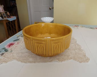Vintage Haeger Pottery/Haeger Planter #157/Mustard Yellow Vintage Planter/Home and Garden/Indoor Gardening/Planters and Pots/Home and Living