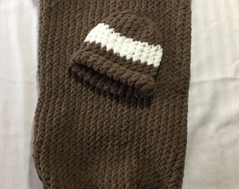 Newborn Cocoon and Hat: Brown and White