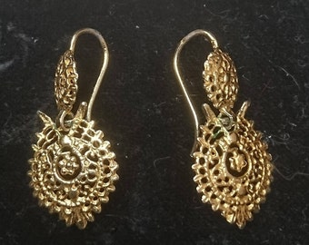 Vintage gold filigree drop earrings