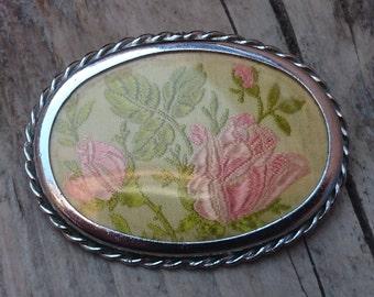 Vintage roses embroidered brooch