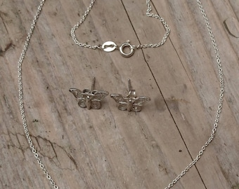 Vintage silver filigree butterfly necklace with matching earrings