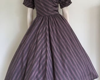Gorgeous 50s New Look Mauve Striped Day Dress / Large / Full Skirt