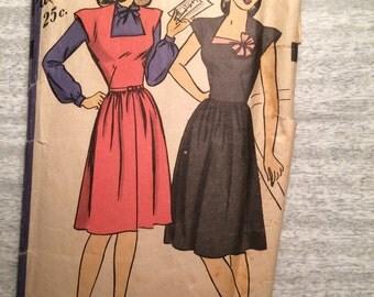 1940s 40s WW2 Era Day Two Piece Dress Original Vintage Sewing Pattern Hollywood 1642 Bust 28