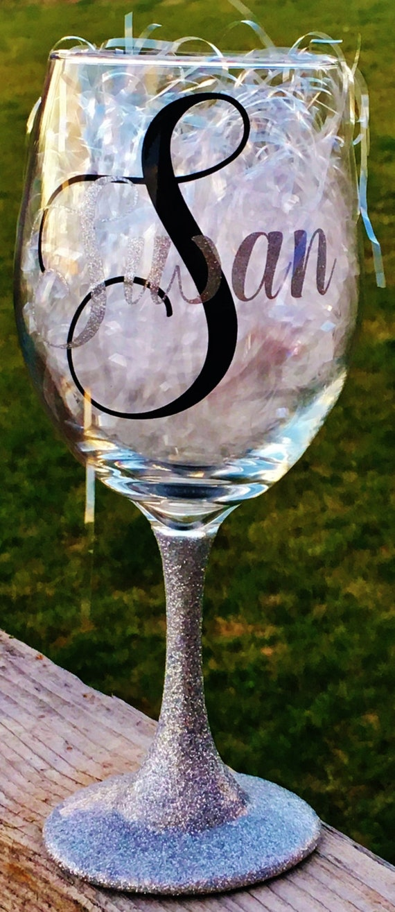 Personalized Wine Glass, Custom Wine Glass, Monogrammed Wine Glass, Glitter Dipped, Bridal, Wedding, Birthday