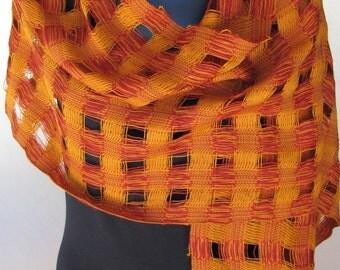 Handwoven shawl in merino wool.