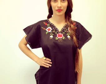 Midnight Rose Blouse // vintage 70s 1970s tunic boho hippie sun bohemian ethnic Mexican embroidered black dress hippy floral // O/S
