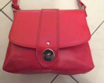 Vintage 60s 70s Red Hand Shoulder Bag