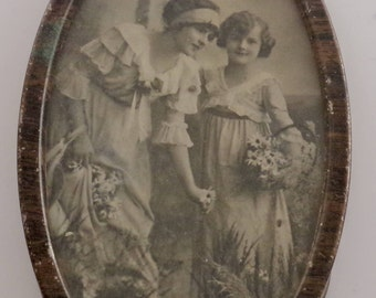 Vintage Frame and Photograph of Two Women in Victorian Clothing/Antique Framed Victorian Photograph/Victorian Women in Photograph