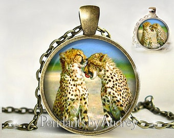 Cheetah Pendant, Cheetah Necklace, Cheetah Jewelry, Big Cat Jewelry,Wildlife Necklace,Picture Pendant, Glass, Gift,Photo,Charm,Gift for Her