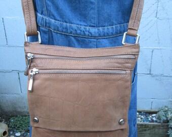 90s  Crossbody Bag Leather Purse Zipper handbag Satchel 1990s Organizer