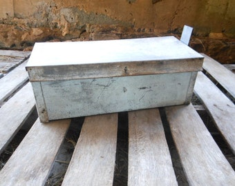 Vintage Galvanized Metal Mailbox - Rustic Storage - Farmhouse Decor - Country Chic - Rustic Industrial - Vintage Mailbox - Rustic Decor