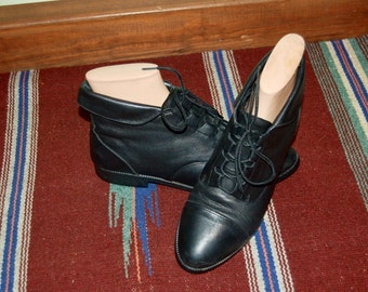 Women Size 7 Vintage Prima Royale Black Leather Lace Up Ankle Booties