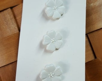 Vintage Buttons-JHB International buttons-White flower buttons-Cottage chic buttons-Girls buttons-New in pack-Never used
