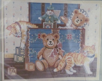 Teddy Bear Trunk Picture Something Special Needlepoint # 30492 USA 1986