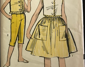 Advance 2940 - 1960s Girl's Button Front Top, Skirt, and Capris - Size 10