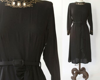 vintage 1940s dress <> 1940s black dress <> 1940s black long sleeve dress <> 40s dress with soutache stitching