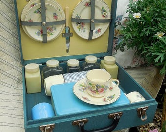 Vintage 2 person Brexton picnic set, blue hard case, floral china, flask and containers