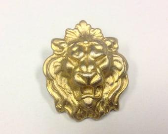 Vintage, Georgian style, lion mask brooch in burnished, gold tone metal.