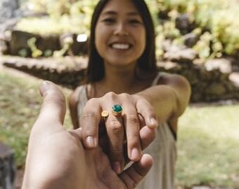 Green Onyx gold ring, Green ring, Green onyx gemstone jewelry, green gemstone ring, green ajustable ring, gold ring with gem green onyx