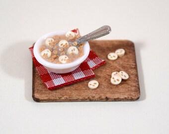 Miniature Cheerios with Bananas, Dollhouse Miniature Food, 1:12 scale, Miniature Cereal, Miniatures