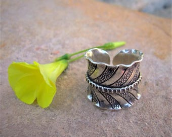Silver ring. Ethnic Jewellery. Hill Tribe Silver Jewellery. 925 Silver ring. Silver jewelry. Ethnic ring. Ethnic silver jewelry.