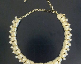 Gold Look Vintage Choker Necklace - Pearl Look Stones