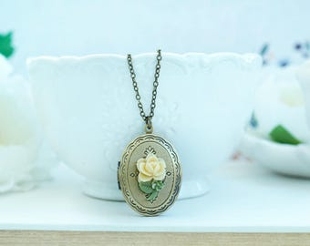 Rose Flower Necklace Cream Rose Flower Locket Oval Locket Bridesmaids Gift Vintage Style. Nature Inspired Forest Birthday Gift, New Baby