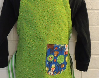 REVERSIBLE Child Camping Baking Cooking Apron / Art Smock fits size 3, 4, 5, 6 and 7 retro Forest Critters blue green yellow red orange dots