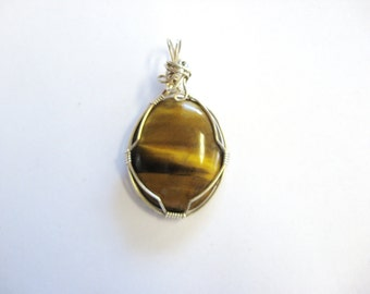 Tigers Eye Pendant, Tiger Eye Necklace, Tiger Eye Jewelry, Gemstone Necklace, Gold Pendant, Natural stone pendant, Natural Tiger Eye Gem