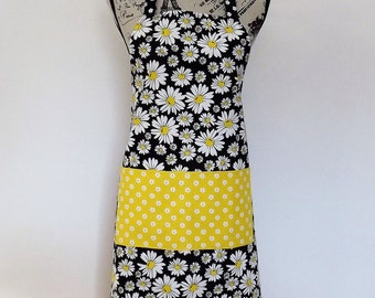 Reversible Daisy Apron in Yellow, Black, and White