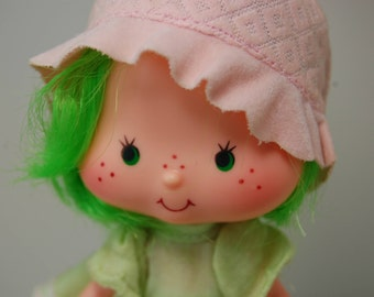 Vintage Strawberry Shortcake Lime Chiffon w/Parfait Parrot and Comb