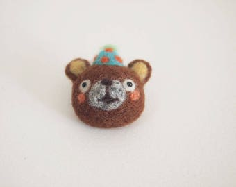 Needle Felted Brown Birthday Bear Brooch - Felted Bear Brooch - Felt Bear Brooch - Bear Brooch - Bear Pin - Brown Bear - Birthday Bear