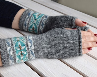 Fair isle fingerless gloves Women knitted arm warmers Grey wrist warmers Knitted texting gloves Gift for her
