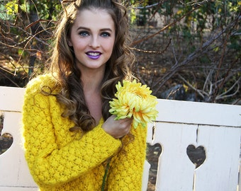 Vintage 60s Knit Sun YELLOW Bubble SWEATER // Vintage Clothes by TatiTati Style on Etsy
