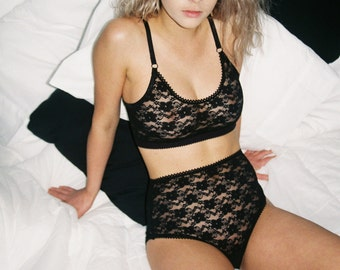 Sexy Sheer Lingerie, Black Floral Lace Bralette, See Through Lingerie, Cute Girly Lingerie, Sheer Plus Size Bralette, Sexy Anniversary Gift