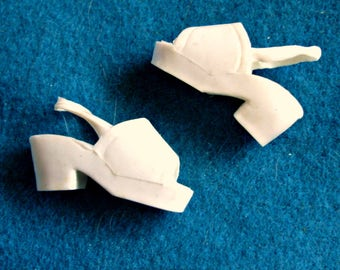 "70's DUSTY PLATFORM SHOES -White Clogs -12"" Kenner Fashion Doll -Bionic Woman Size"