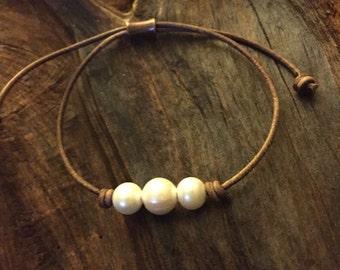 Leather Bracelet - Leather and Pearls Bracelet - Adjustable Leather Bracelet