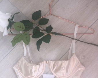 Cream/White Cut-Out Satin Underwired Bra