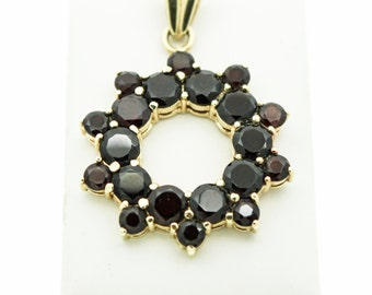 A Spectacular Garnet Pendant In 14ct Gold   SKU624