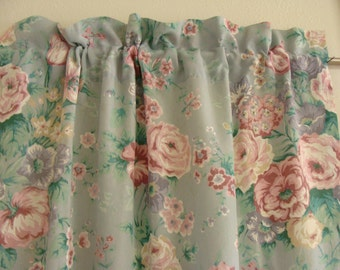 Curtain Panel/Cabbage Roses/Shabby Chic