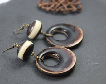 Nature earrings to the ethnic style, Pearl two-tone Horn, Brown and off-white, glazed coconut fat father