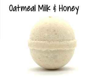Oatmeal Milk and Honey Bath Bomb | Oatmeal Milk and Honey Goat Milk Bath Bomb Fizzy