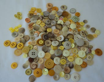 REDUCED - French vintage yellow toned assorted craft buttons - over 250 buttons (04646)